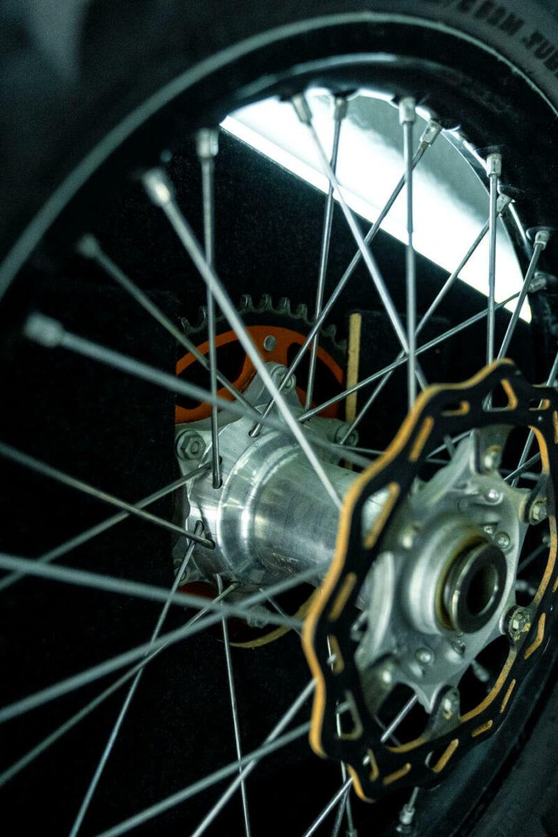Remolque de fibra ONNE RACE interior 13