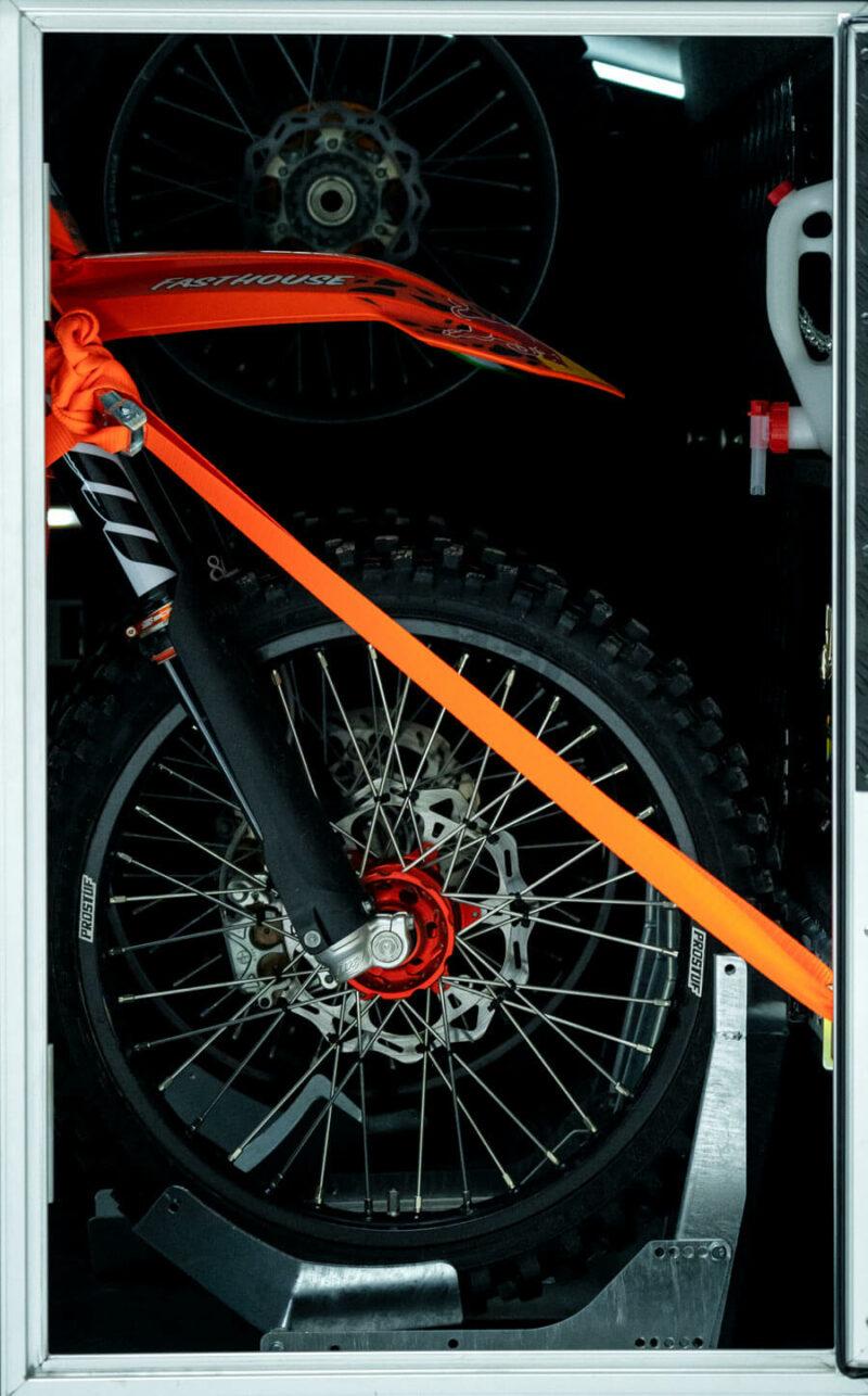Remolque de fibra ONNE RACE interior 20