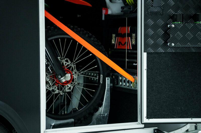 Remolque de fibra ONNE RACE interior 21