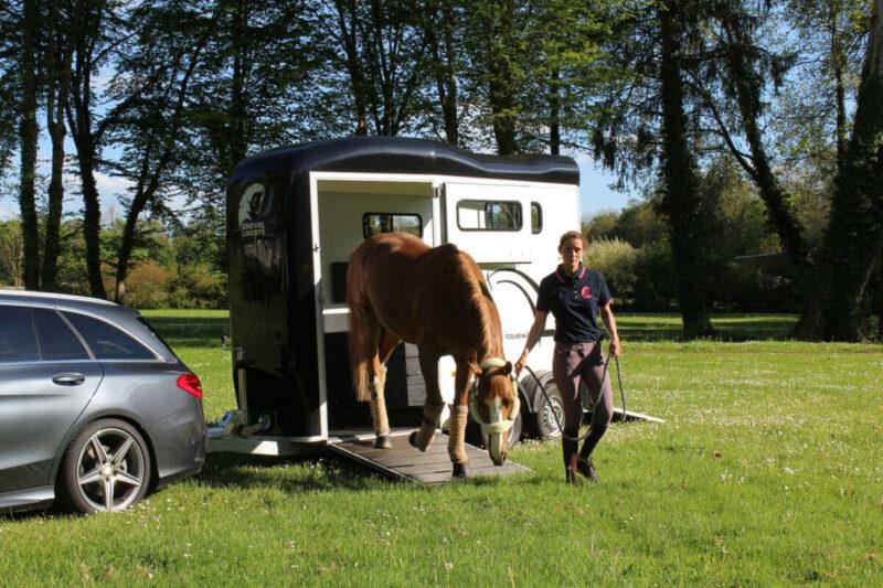 Remolque para 1 caballo y medio Touring One 6