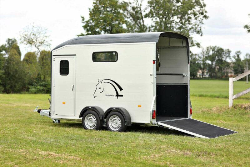 Remolque para 2 caballos Duomax Maxi 2 17