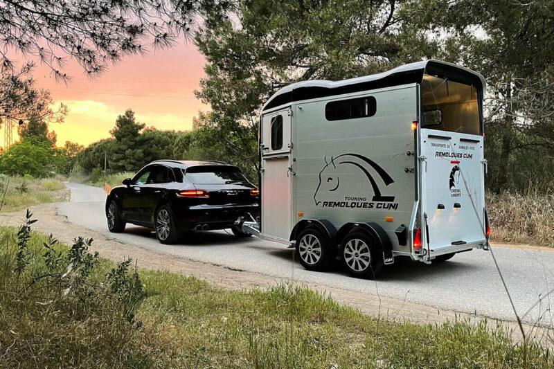 Remolque para 2 caballos Touring Country 1