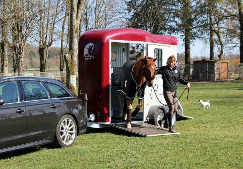 Remolque para 2 caballos Touring Country 23