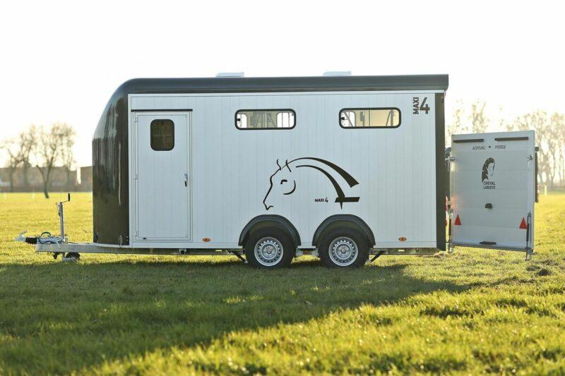 Remolque para 4 caballos Optimax 6