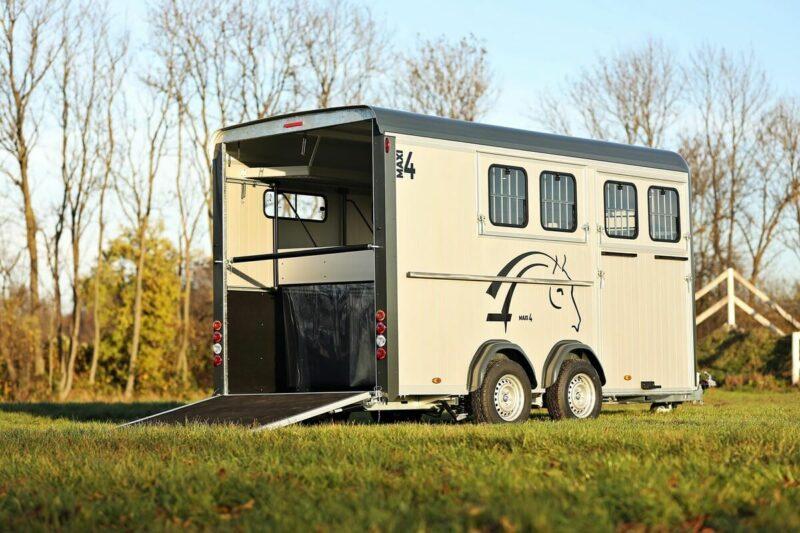 Remolque para 4 caballos Optimax 8
